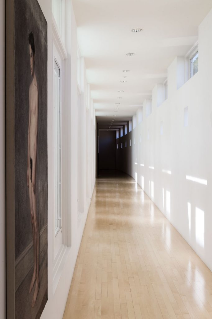 Roger Thomas Marin County hills home - hallway.